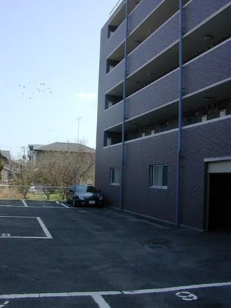 メゾン駐車場2