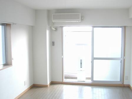 メゾン居室窓